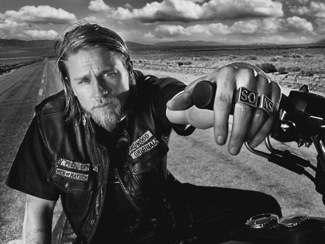 SONS OF ANARCHY: Charlie Hunnam in SONS OF ANARCHY airing Tuesday, September 7 at 10 PM e/p on FX. CR: Frank Ockenfels / FX.